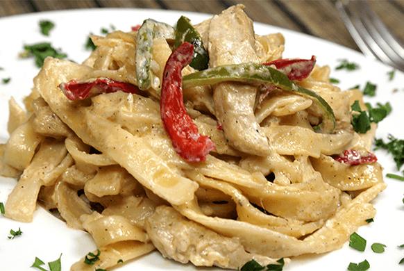 معـكرونة فيـتوتشيني بالـدجاج والمـشروم 1-justfood-1-02-05-2