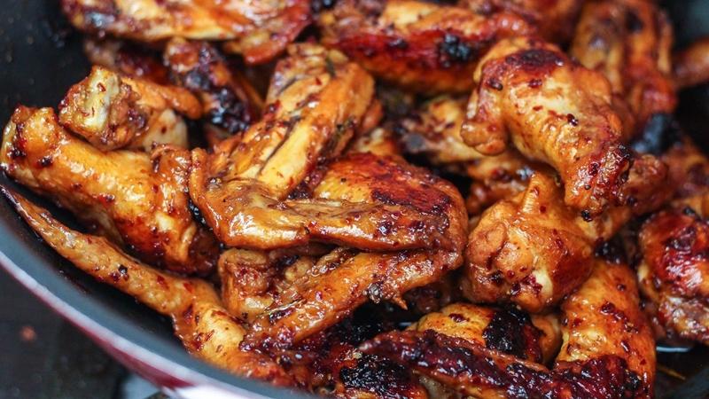 طريقة عمل أجنحة الدجاج المشوية بالفرن