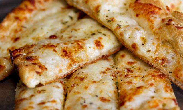 شرائح الخبز بالجبن والبقدونس 0cheesebites.jpg