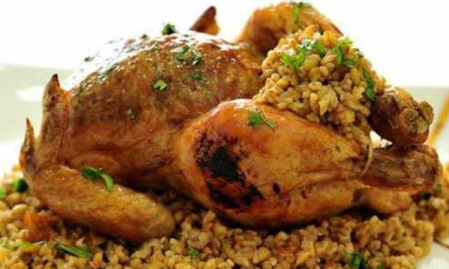 طريقة عمل دجاج محشي بالفريك : وصفات دجاج